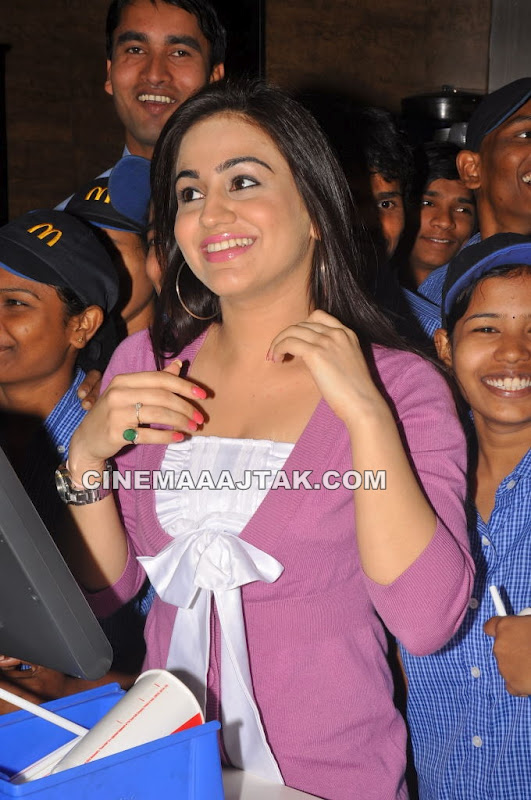 Aksha 1 - Aksha Launches McDonalds Morning Break Fast