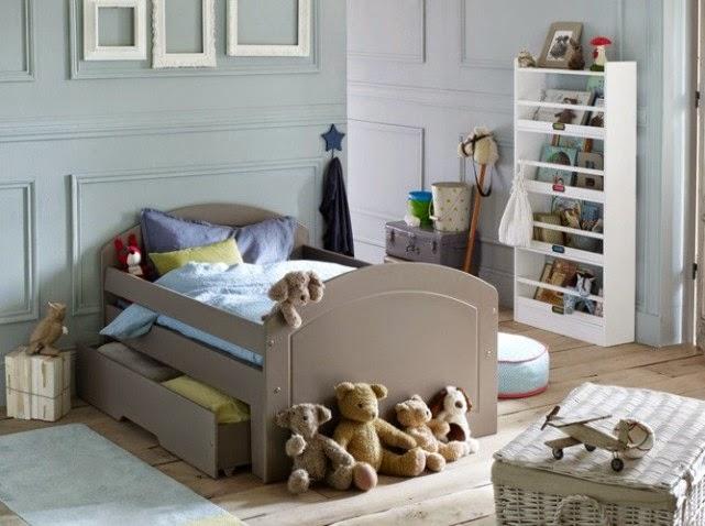 Cuisine Moderne Sans Ilot Central : adolescente romántica con paredes celestes y muebles en color gris