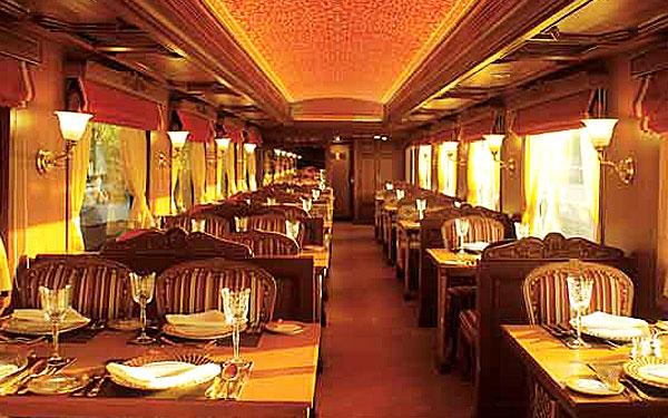 Rang Mahal - The Dining Car