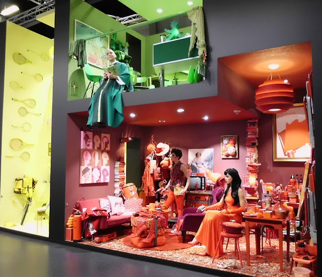 Neues Design, Möbel und Leuchten zum Einrichten und Wohnen auf der Kölner Möbelmesse imm cologne 2016 – große Auswahl an Tisch, Stuhl, Sofa, Garderobe, Bett und Bad