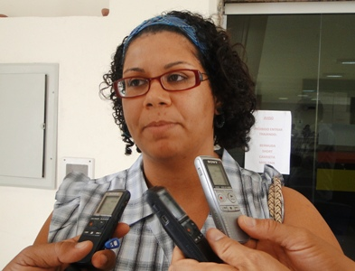 Coincidentemente depois de sua ida à Câmara de Vereadores a secretária de Cultura de Petrolina Roberta Duarte decidiu com toda a sua equipe entregar em ... - Roberta-Duarte