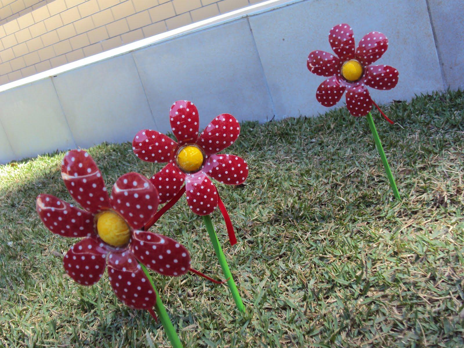 Artesanato Reciclável Flores Mesa e Jardim #711F2C 1600x1200