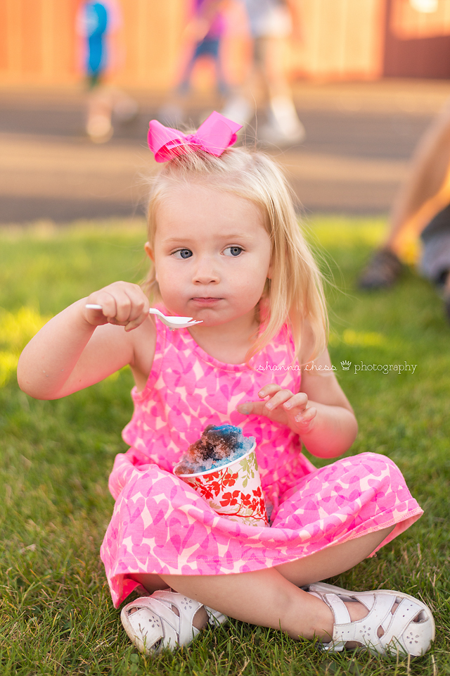 eugene springfield oregon child photography fair snow cone