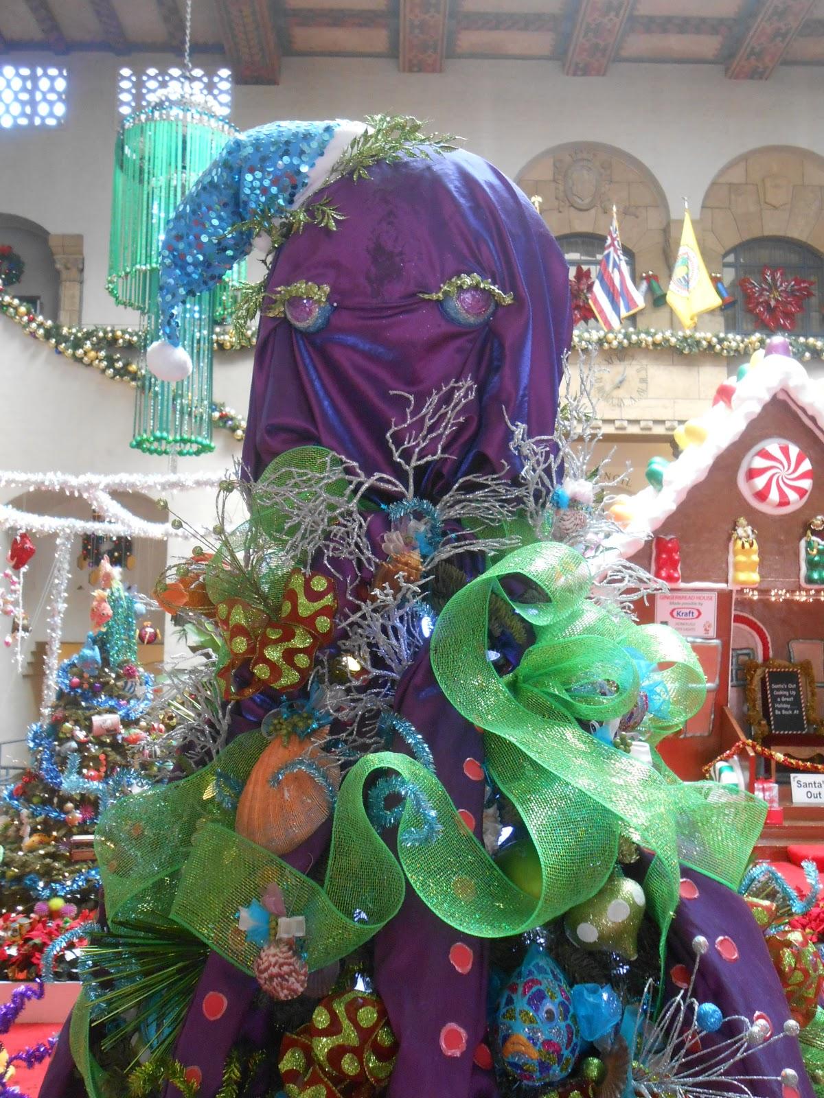 Christmas Tree Decoration Theme