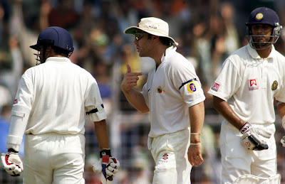 Michael Slater in a heated argument with Sachin Tendulkar and Rahul Dravid