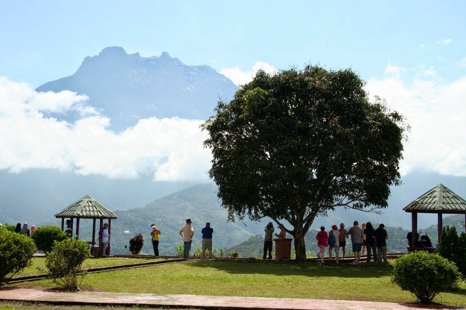 Mt Kinabalu at Pekan Nabalu (Nabalu Town)