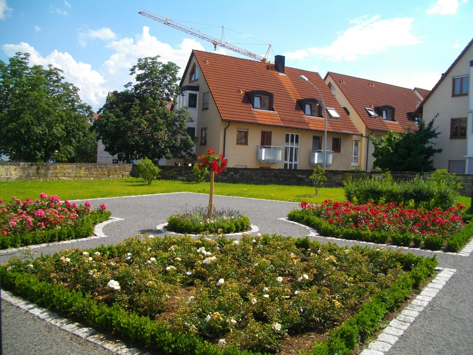 Trends Of Very Very Small Gardens : Trends Of Very Very Small Gardens : very very small baroque garden ...