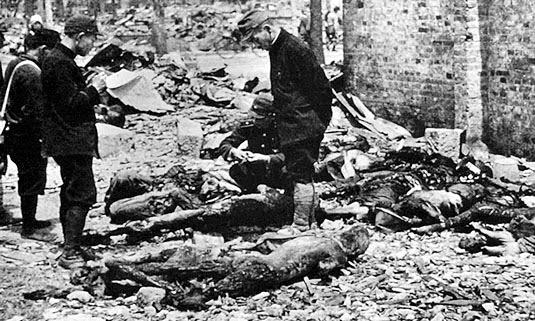 Charred remains of 100,000 Tokyo victims