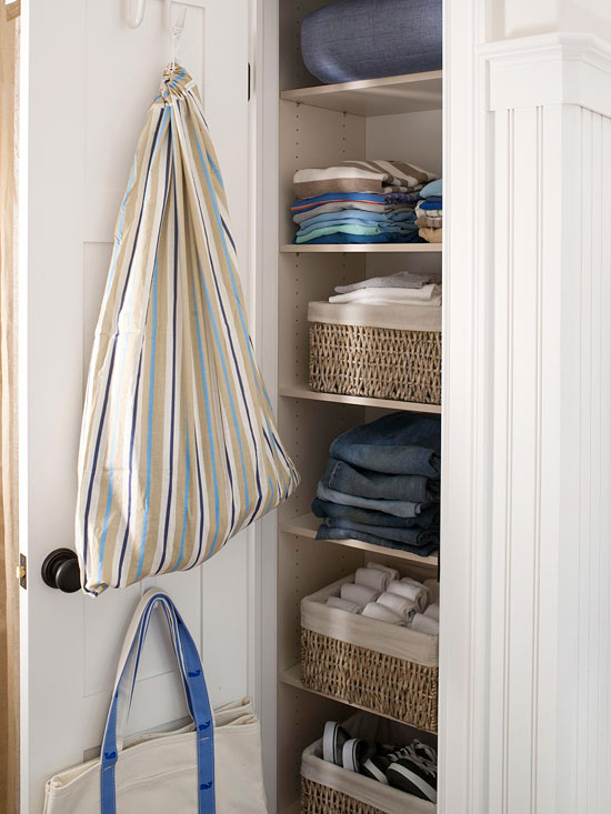 Modern furniture easy solutions to decorate a small space - Small closet door solutions ...