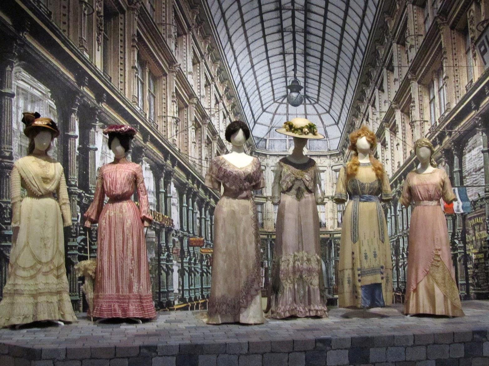 fashion of Au bonheur des dames