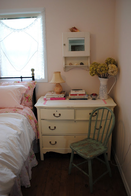 Farrow and Ball Middleton Pink bedroom