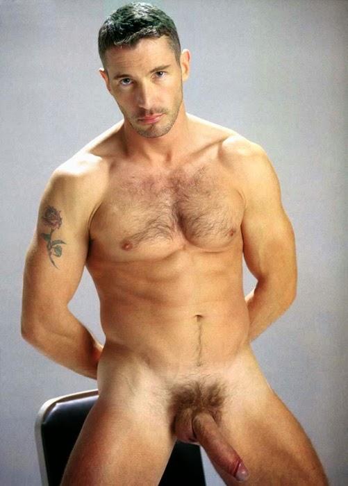 is francisco lachowski gay