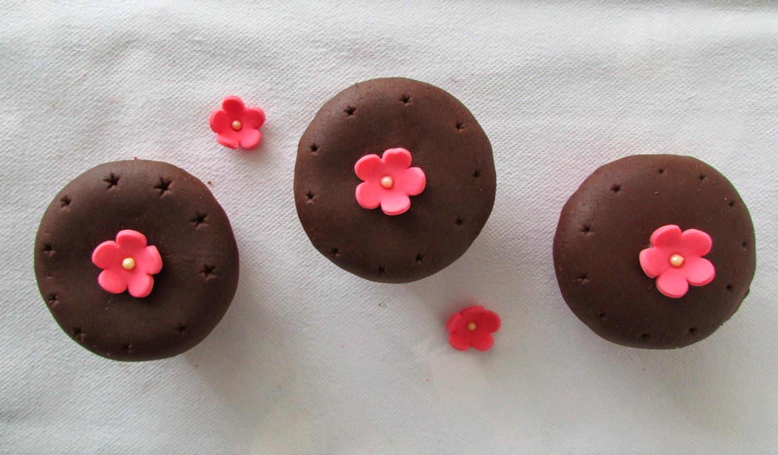 cupcakes-chocolate-fondant