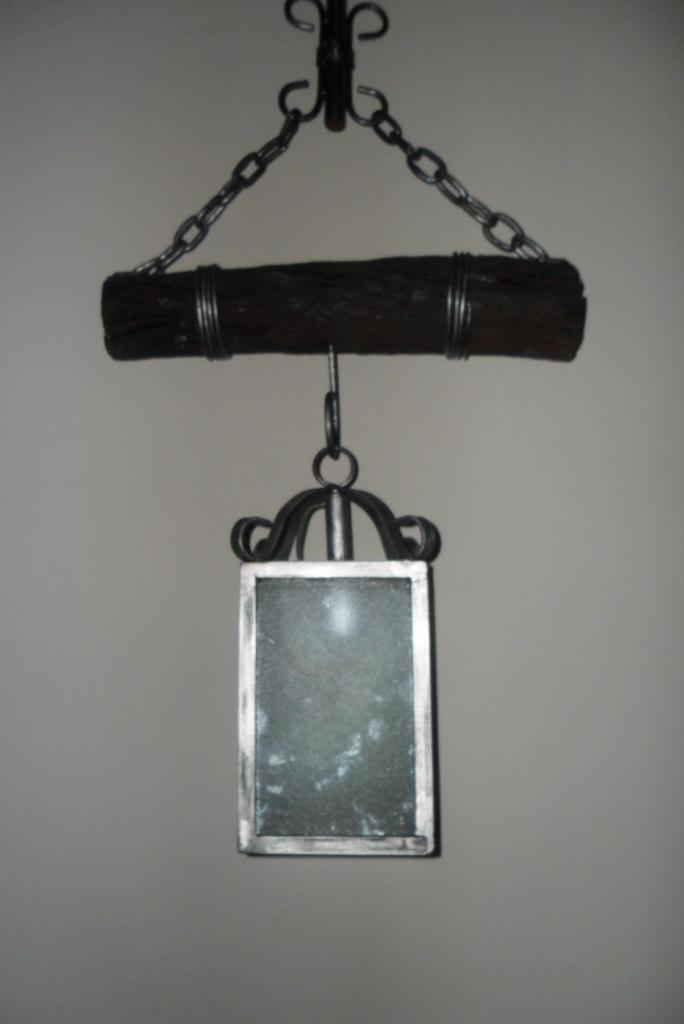 Bodegas y lamparas en hierro y madera lamparas simples - Lamparas de bodega ...