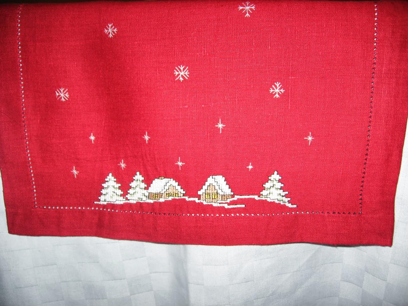 Новогодние скатерти - схемы вышивки крестом, Новый