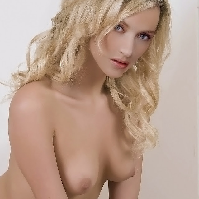 Kate Winslet sexy nude hot naked topless
