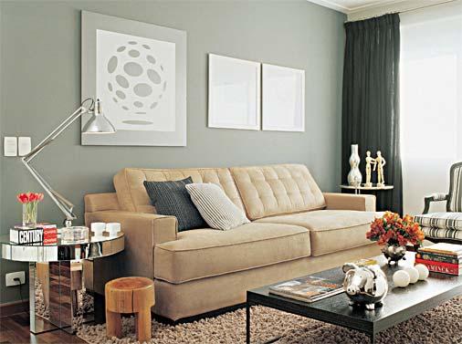 decoracao de sala verde:Base branca e luz natural: eis a receita para o cômodo parecer maior