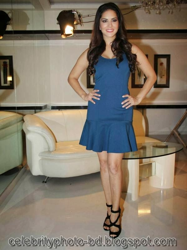 Sunny+Leone+Photos+in+Short+Dress+at+MTV+Webbed+In+Mumbai+Drama+Series+Shooting002