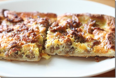 breakfast pizza, recipe, sausage, egg, cheese, brunch
