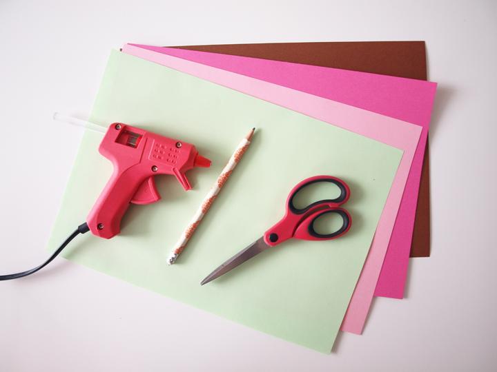 matériel pour diy fleurs en papier
