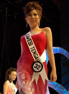 Susana Famela Rompas - Finalis Putri Indonesia 2006 - Korban Sukhoi