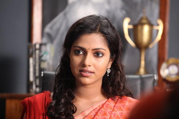 Deiva Thirumagan  Tamil Movie StillsPicsWallpaper Gallery film pics