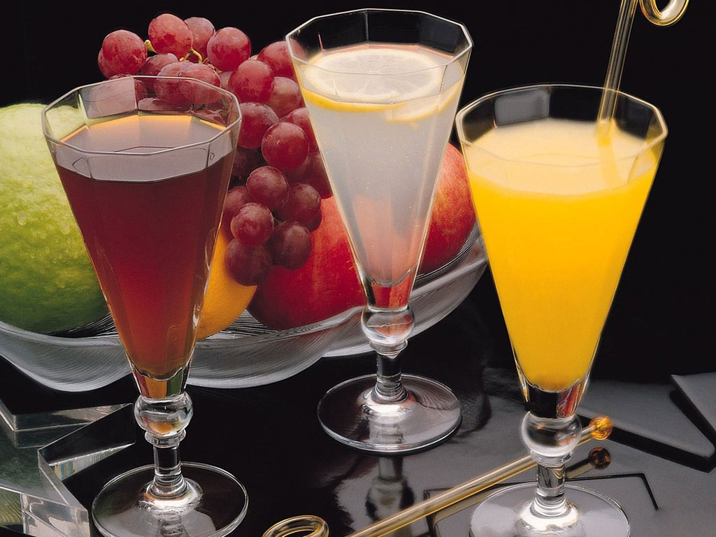 http://3.bp.blogspot.com/-mCtbXLZRISY/UK5oeu-WCgI/AAAAAAAAAsU/dW8pe0wMQ9k/s1600/Natural_fruit_juices.jpg