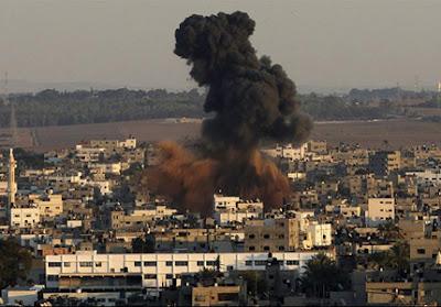 Massacre - Israel bombardeia Gaza