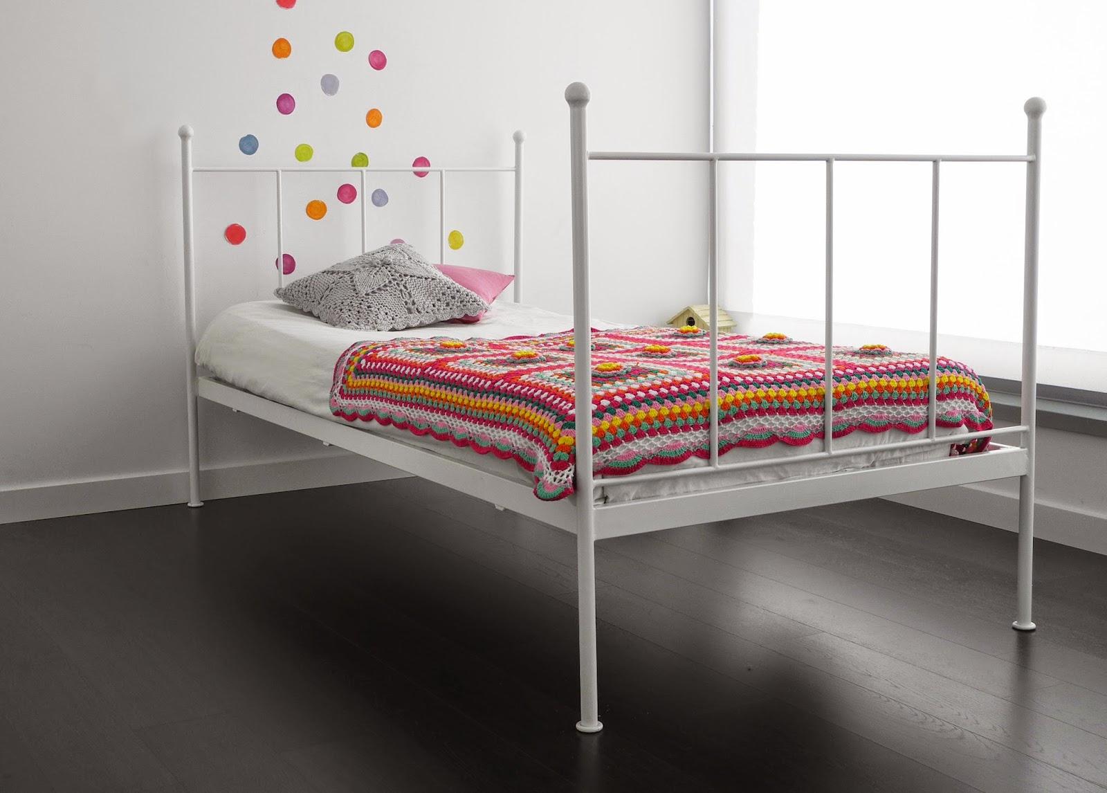 Kalma violeta camas y cabeceros para ni os - Cabeceros de cama de hierro ...