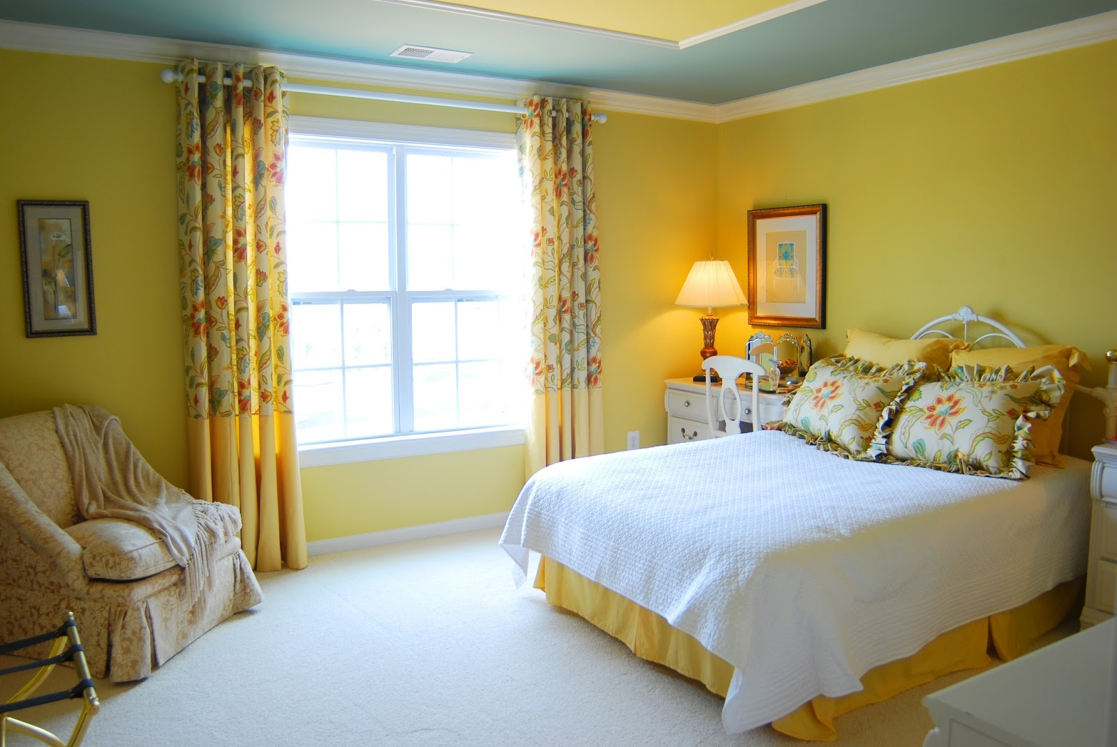 Bedroom colors yellow - Yellow Bedroom Interior Designs