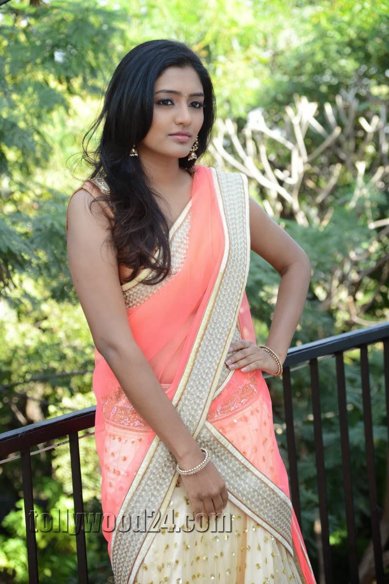 Eesha Photos at Vasta Nee Venuka Movie launch-HQ-Photo-5