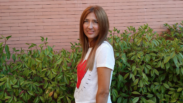 look, Fashion Blogger, Heart, Isadora Comilas, The Hep Tee, Pants, Tshirt, Carmen Hummer Style