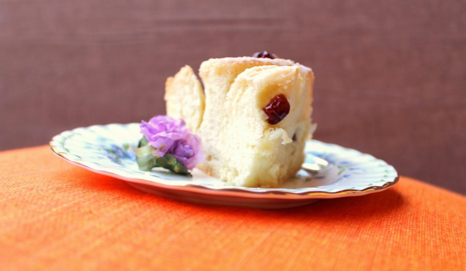 torta di rose con mirtilli