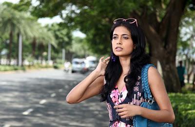 sarah jane dias from khiladi movie unseen pics