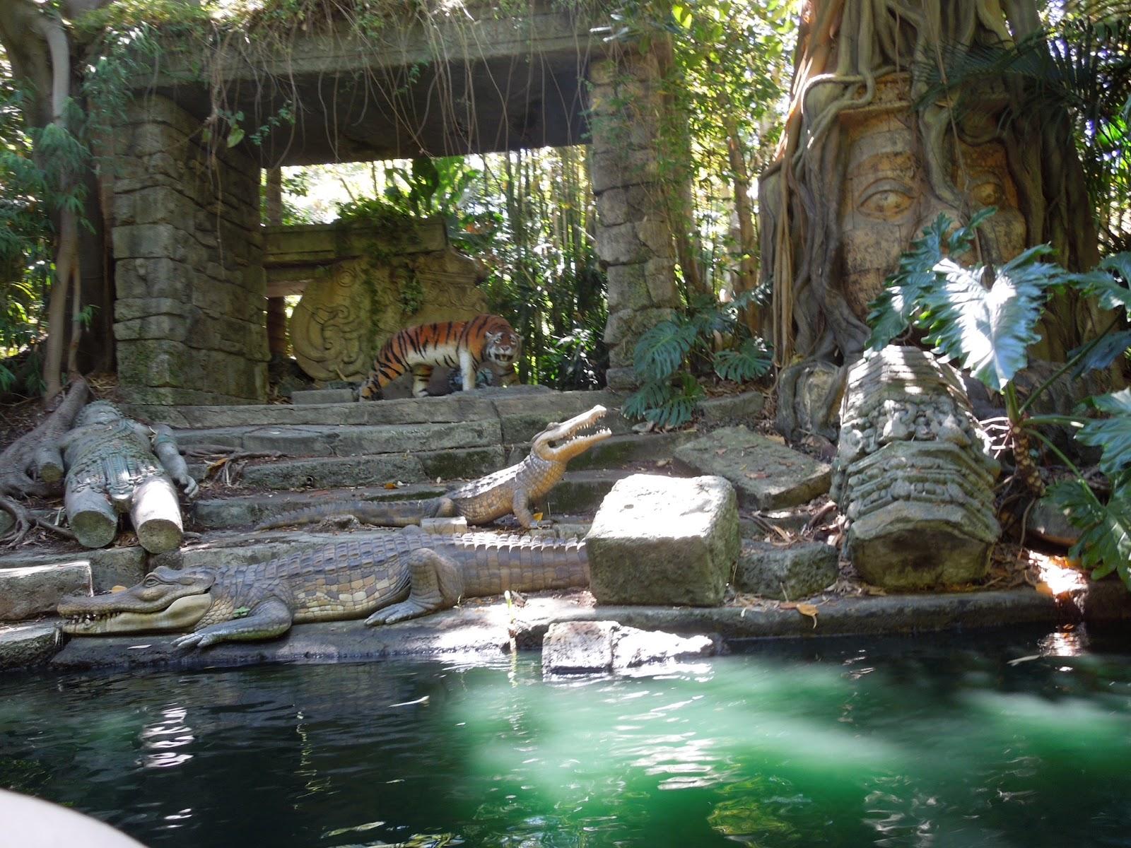 A Cutermouse View of Adventureland: - 435.5KB