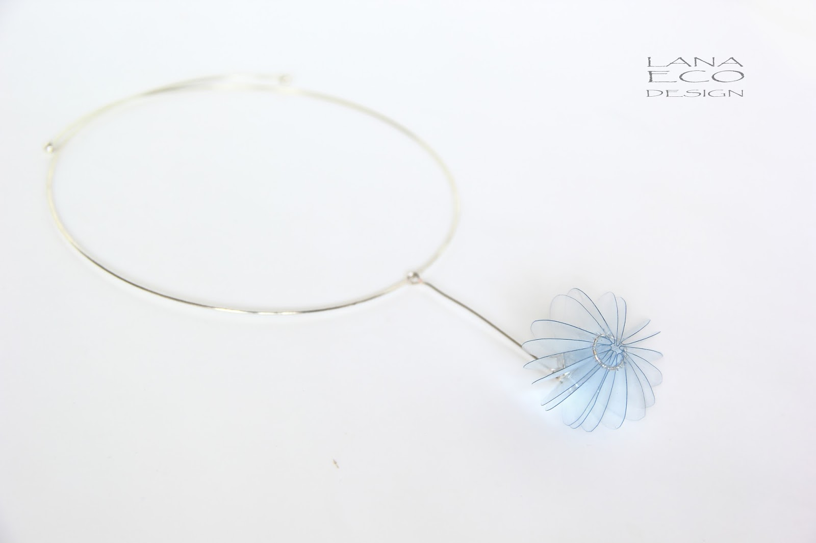 gioiello-contemporaneo-riciclo-creativo-design-creative recycling-plastica-riciclata-eco-contemporary-jewellery