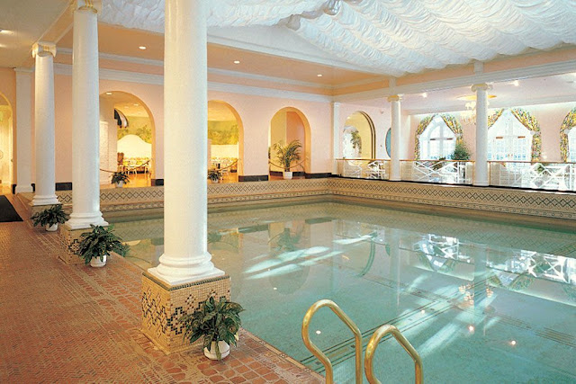 the greenbrier resort pool