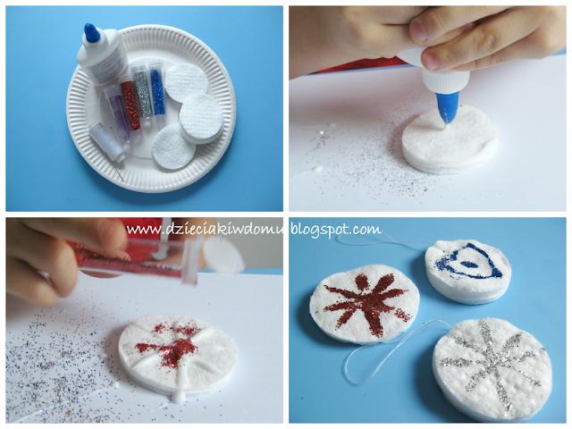 ozdoby na choinke płatki śniegu z płatków kosmetycznych dla dzieci