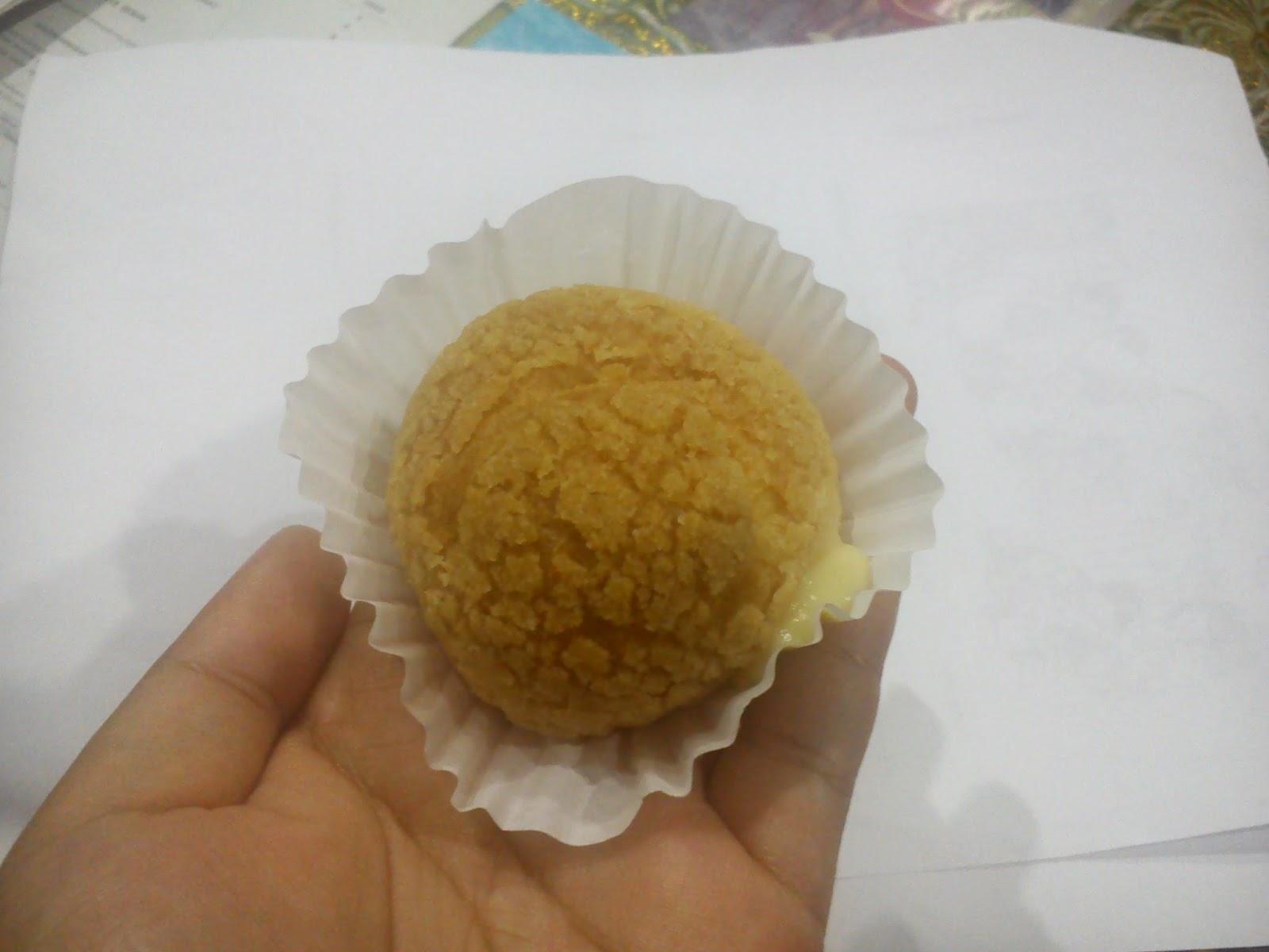 azreen zunairah menikmati japanese cream puff yang gebusss