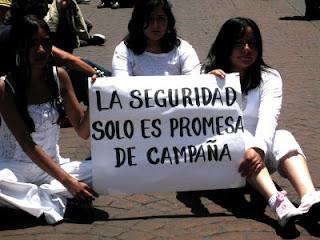 http://3.bp.blogspot.com/-mELWgFPYCE8/Tl5gkKvk-VI/AAAAAAAAAU8/JZDyfz6hvBI/s320/manifestacion+seguridad.jpg