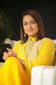 Sonakshi sinha at Lingaa event-thumbnail-4