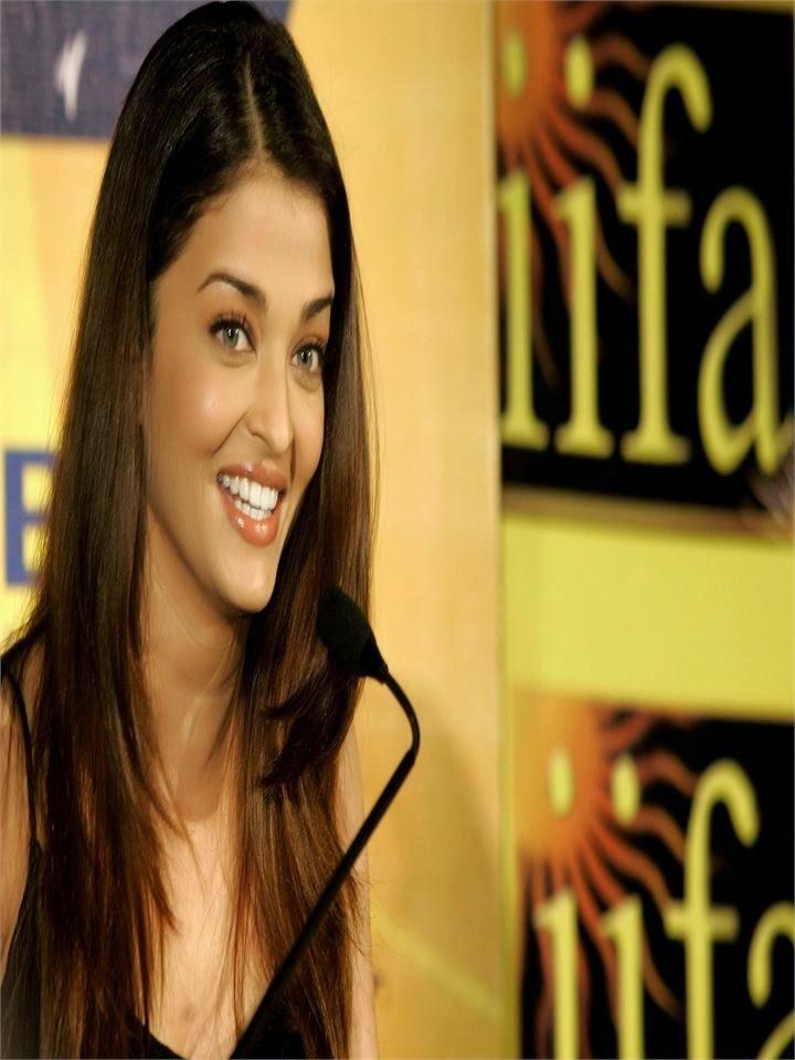 Aishwarya Rai on iifa wards 2010 unseen rare hot pics in her black backless mini skirt hot bolywood actress