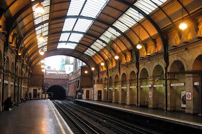 UK - London: Notting Hill Gate Station