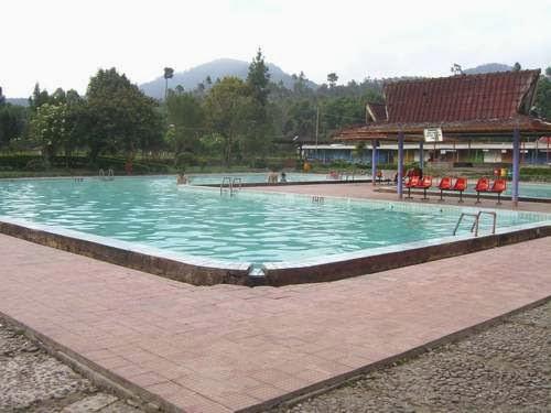 Tempat Wisata di Bandung : Pemandian Air Panas Walini Di Ciwidey yang lagi Hits