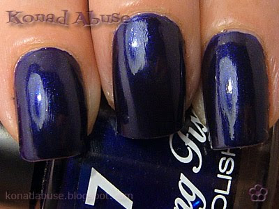 Boots 17 Lasting Fix Midnight Sapphire Swatch