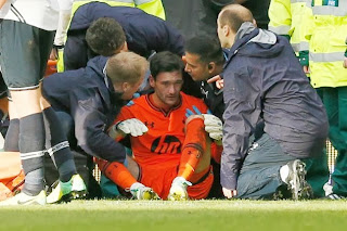 Hugo Lloris a pris le genou de Romelu Lukaku en plein visage.