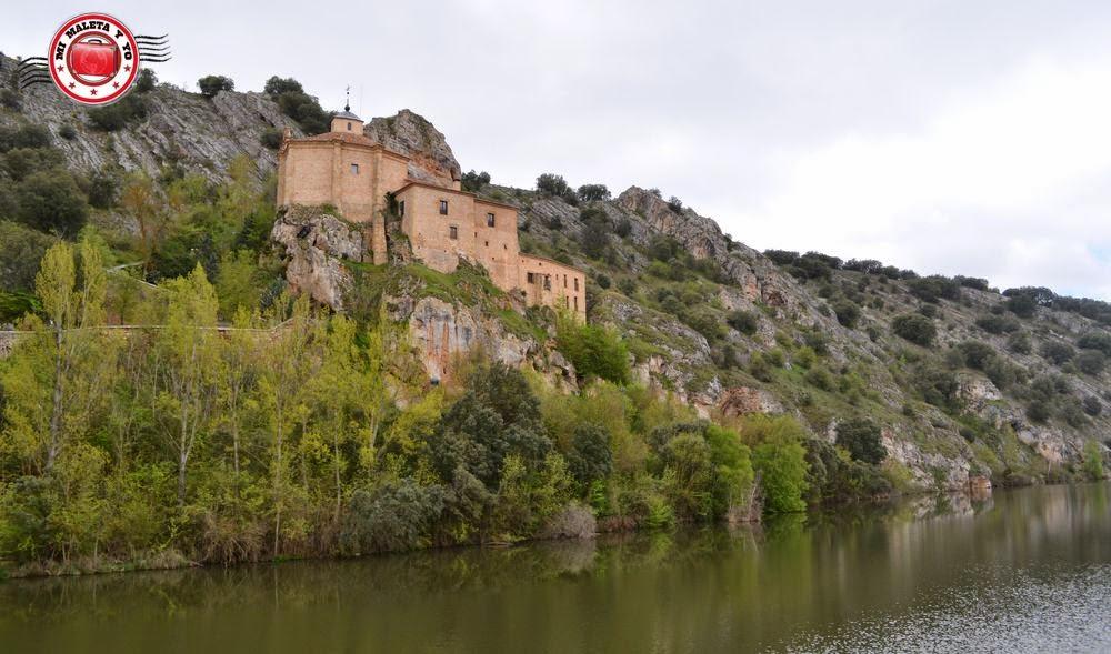 Mi maleta y yo: La ermita de San Saturio en Soria con el Tren Campos de Castilla