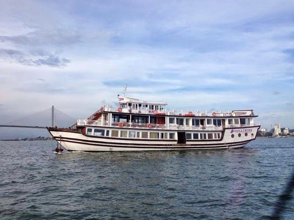 Tàu du lịch Hạ Long Viola