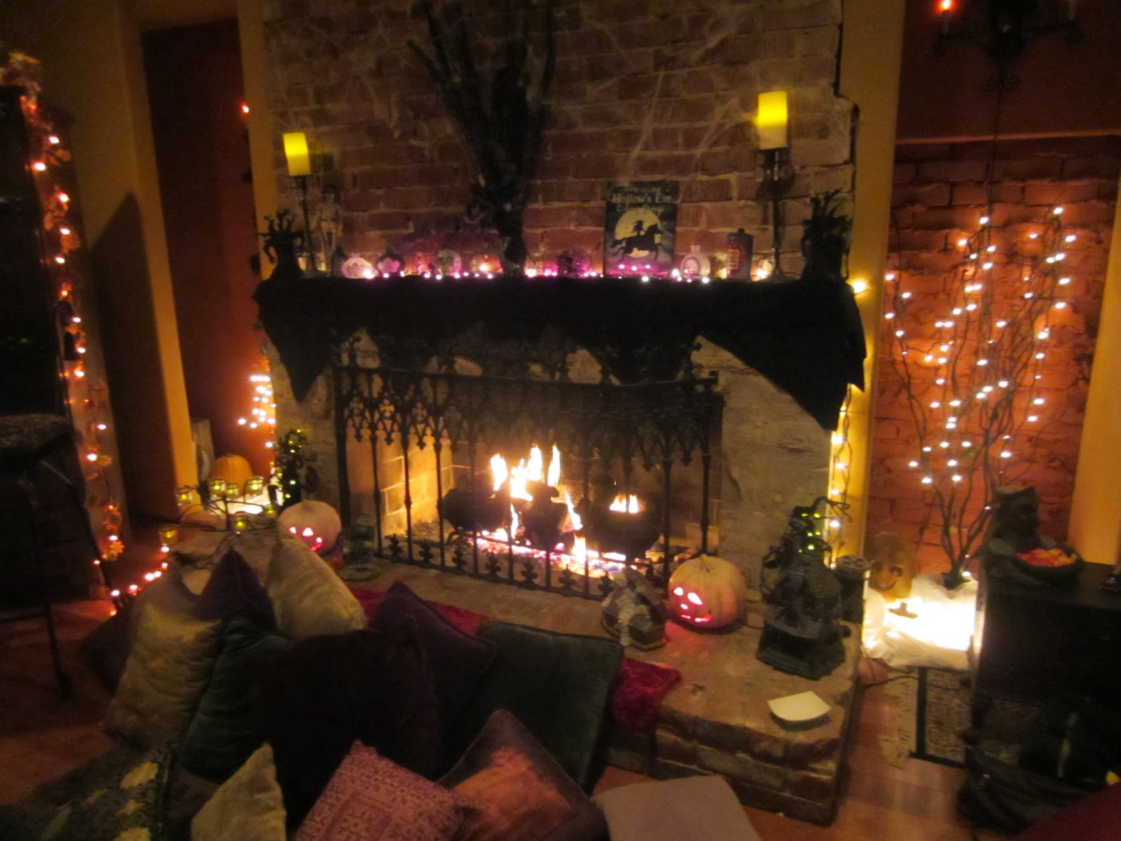 How to decorate your room for halloween inspiration home for Decoration halloween