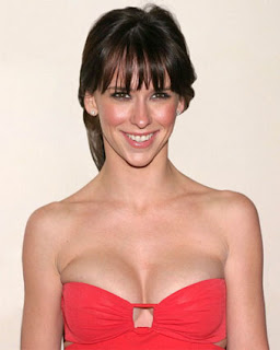 Jennifer-Love-Hewitt_hot-red-dress.jpg